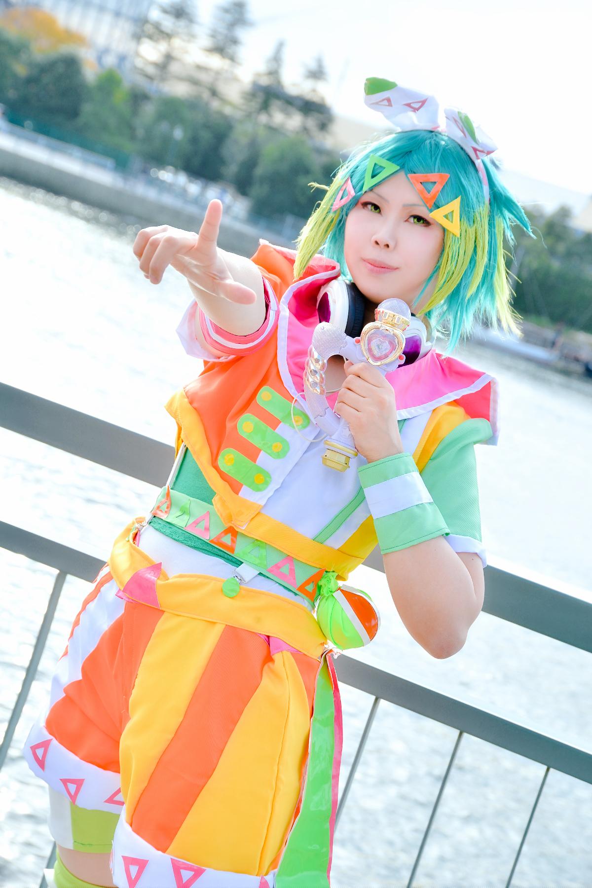 アイドルタイムプリパラ 虹色にのネオンドロップサイリウムコーデ